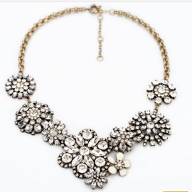 vintage_rhinestone_flower_chunky_statement_necklace_wholesale_1.jpg